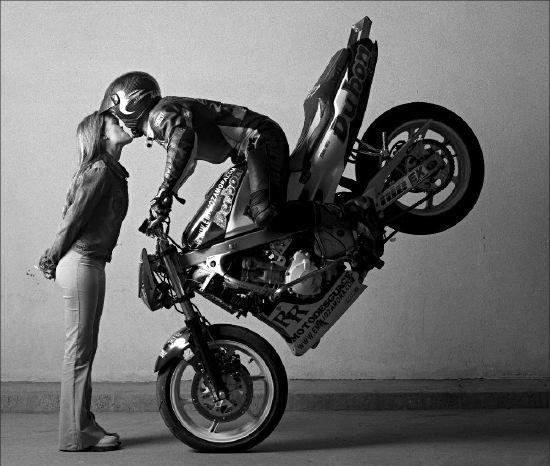 moto-kiss.jpg